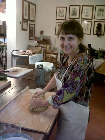 Cooking Vacations Italy : Making my favourite;gnocchi!