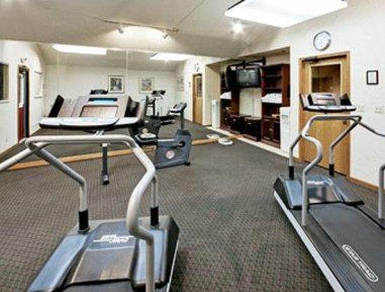 Hawthorn Suites by Wyndham Dayton North: Fitness Room
