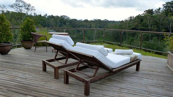 Komaneka at Tanggayuda: Sun deck with awesome views -upper unit.