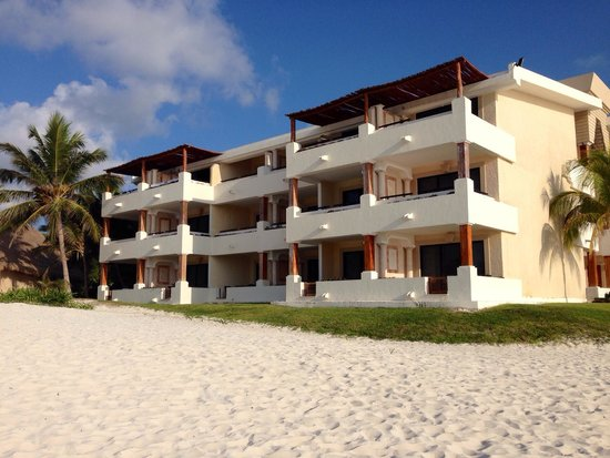Now Sapphire Riviera Cancun : Beach front rooms