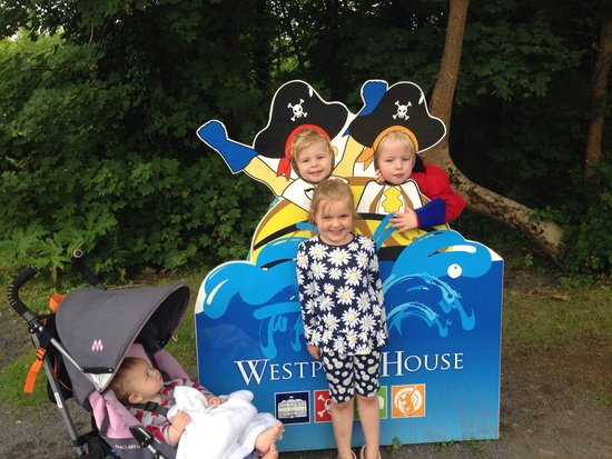 Westport House & Pirate Adventure Park : Happy faces at Westport House!