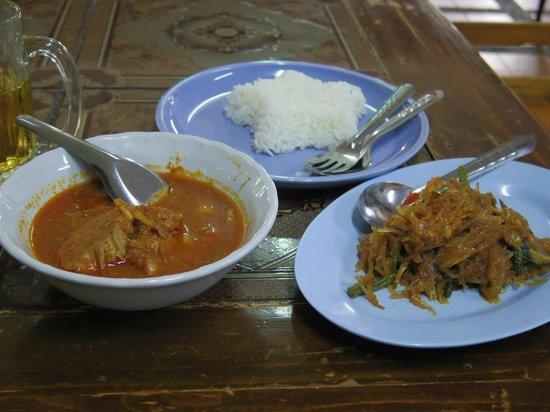 Huen Phen: 食事
