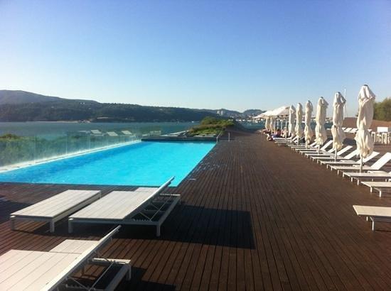 Piscina descubierta picture of blue green troia design for Design hotel troia