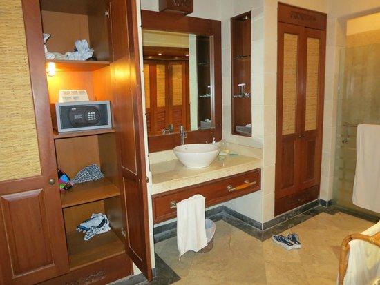 Bali Tropic Resort and Spa: Ванная комната