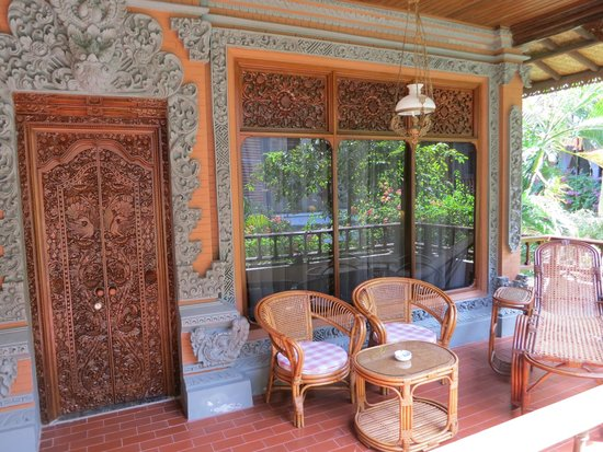 Bali Tropic Resort and Spa: Вход в номер