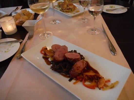 Restaurant Cavallerie: Saltimbocca entree, yum.