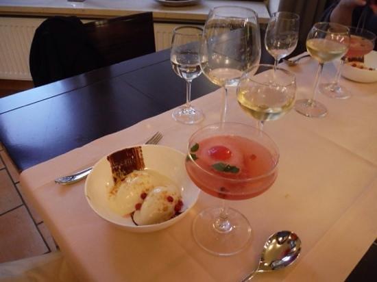 Restaurant Cavallerie: sweet n sour dessert from 'the menu'