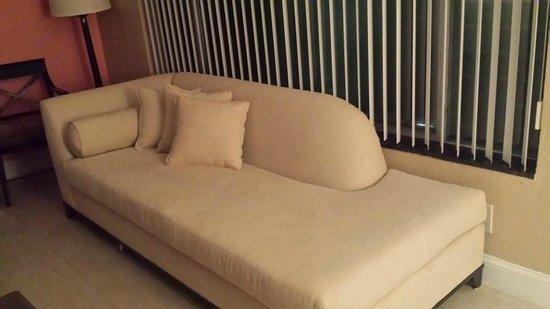 The Victoria Park Hotel: Sofa