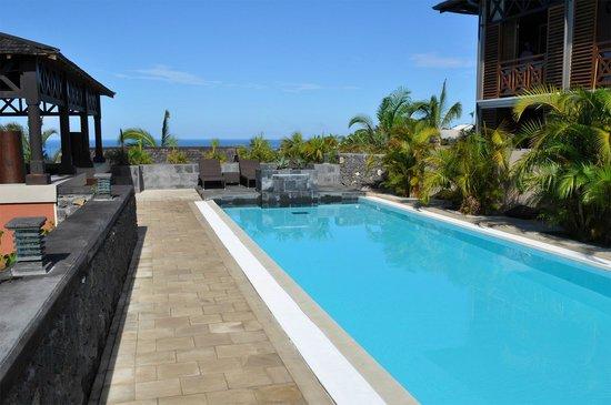 Iloha Seaview Hotel : Piscine