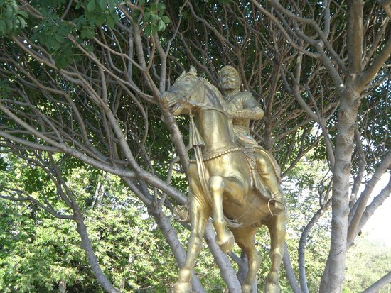 Guadalupe River Park: The Statue