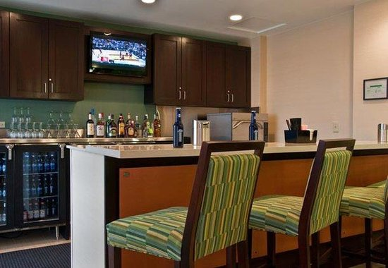 SpringHill Suites Houston Hobby Airport: Lounge