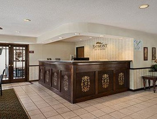 Baymont Inn & Suites Whitewater: Lobby