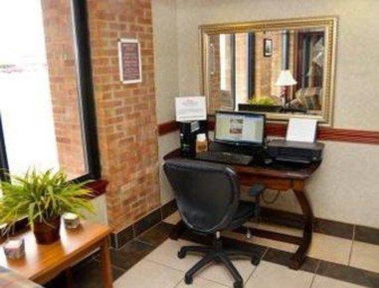 Baymont Inn & Suites Port Huron: Business Center