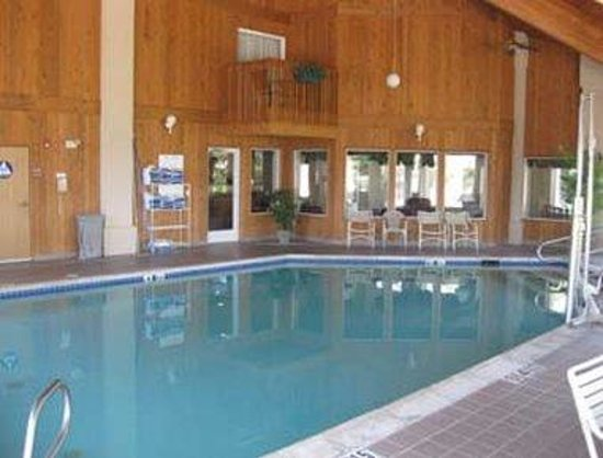 Photo of Baymont Inn & Suites Redding