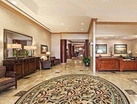 Hawthorn Suites by Wyndham West Palm Beach: Lobby