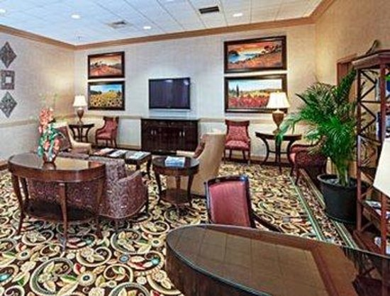 Hawthorn Suites by Wyndham West Palm Beach: Dining Area
