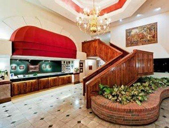 Hawthorn Suites by Wyndham EL Paso Airport: Lobby