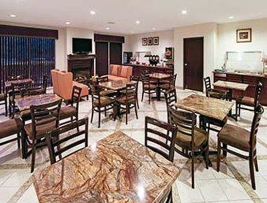 Hawthorn Suites by Wyndham DFW Airport North: Restaurant
