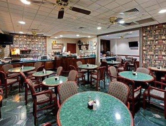 Hawthorn Suites by Wyndham EL Paso Airport : Dining Room