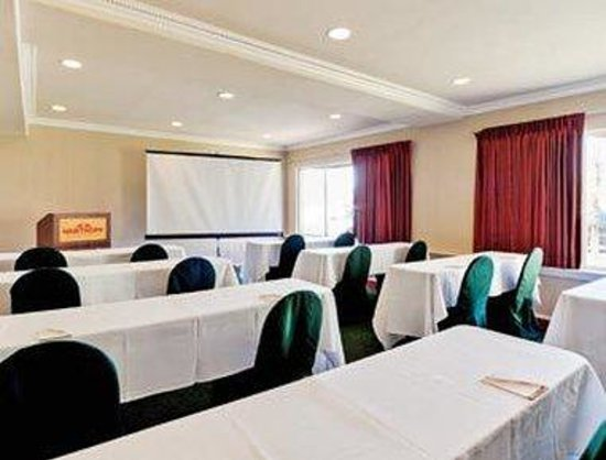 Hawthorn Suites by Wyndham EL Paso Airport : Meeting Room