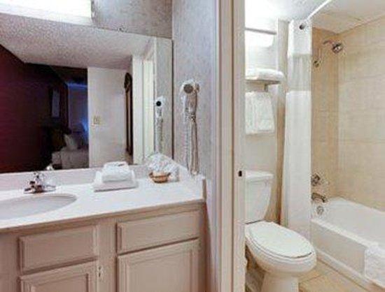 Hawthorn Suites by Wyndham Dallas Love Field Airport: Bathroom
