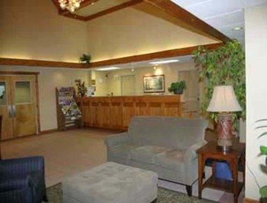 Baymont Inn & Suites Kodak Near Sevierville: Lobby