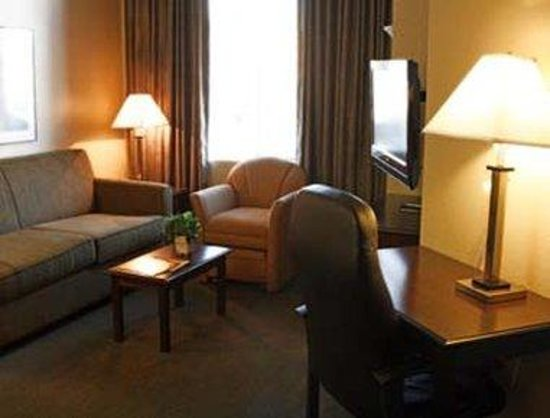 Hawthorn Suites by Wyndham Chandler/Phoenix Area: Guest Room