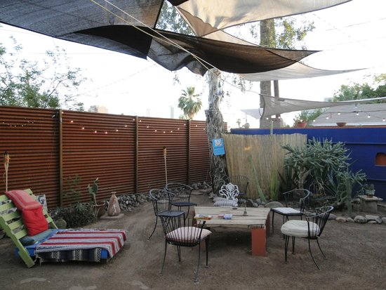 HI Phoenix - The Metcalf House: the backyard is super nice and it has an outdoor shower!