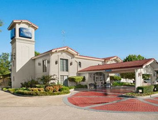 Baymont Inn & Suites Longview: Welcome to the Baymont Inn and Suites Longview