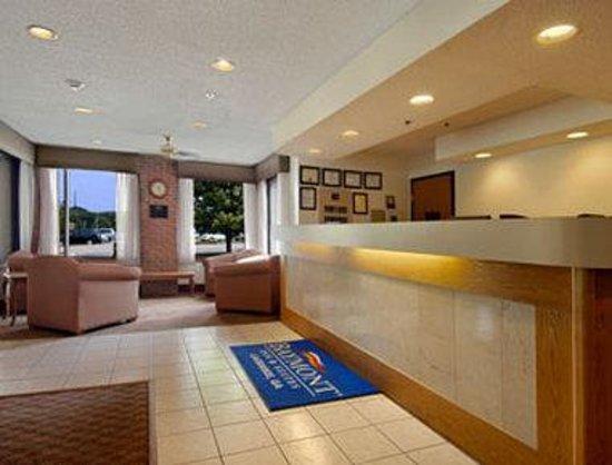 Baymont Inn & Suites LaGrange: Lobby