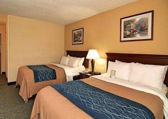 Baymont Inn & Suites Winston Salem: Room
