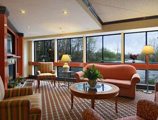 Baymont Inn & Suites West Lebanon : Lobby