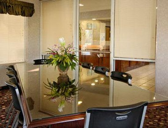 Baymont Inn & Suites Willows: Meeting Room
