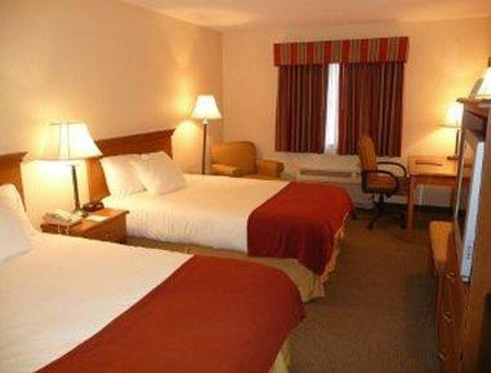 Baymont Inn & Suites Indianapolis: Two Double Bed Room