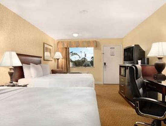 Days Inn Shenandoah TX: Standard Two Double Bed Room