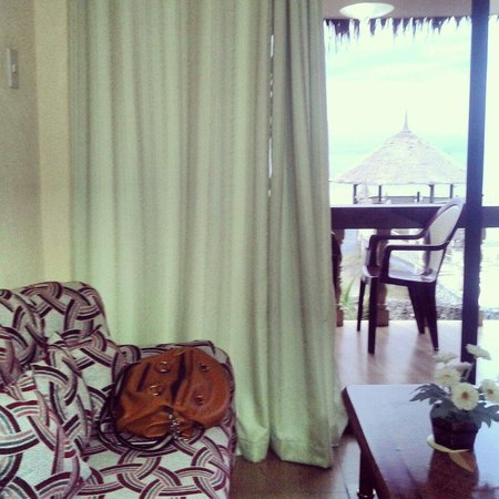 Asian-Belgian Dive Resort : Inside our room ;) so peaceful dolphin room☆