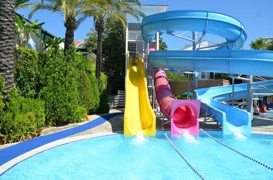 Alva Donna Beach Resort Comfort: водные горки