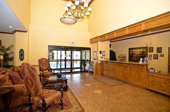 BEST WESTERN PLUS Schulenburg Inn & Suites : Hotel Lobby