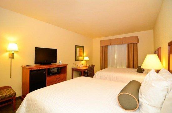 Best Western Plus Schulenburg Inn & Suites : Two Queen Guest Room