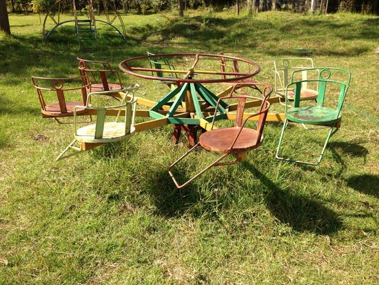 Mt. Kenya Leisure Lodge: Old and unmaintained (but usable) playground equipment