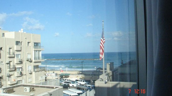 The Embassy Hotel Tel Aviv: Looking out our Hotel room window at the beach