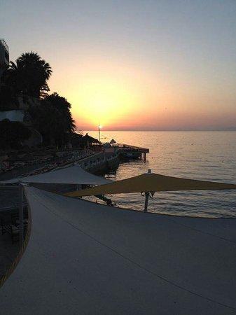 Marti Beach Hotel : Akşam Güneşi...