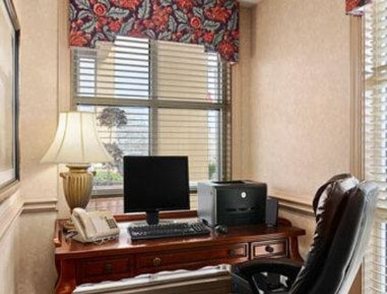 Baymont Inn & Suites Crestview: Business Center