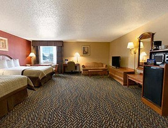 Baymont Inn & Suites Oklahoma City Airport: Double Suite
