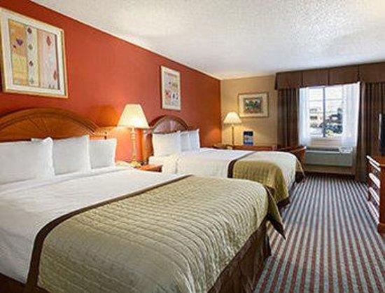 Baymont Inn & Suites Oklahoma City Airport: Double Room