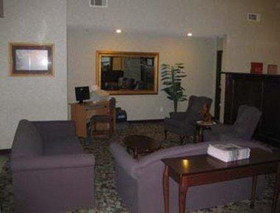 Baymont Inn & Suites EL Reno: Lobby