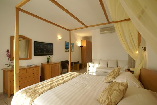Dionysos Boutique Hotel: Deluxe rooms