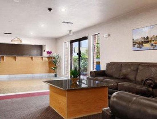 Days Inn Granbury: Lobby