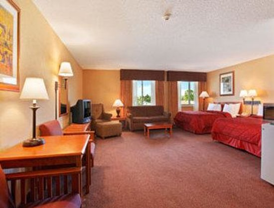 Days Inn Wellington Fort Collins Area : Two Queen Suite
