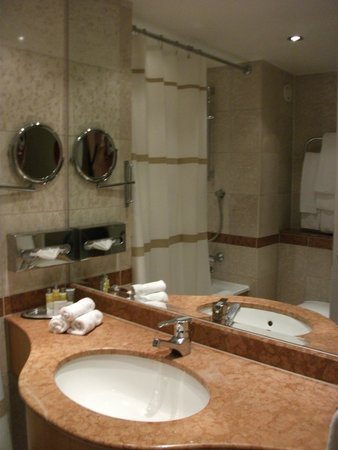 London Marriott Hotel Maida Vale : salle de bain